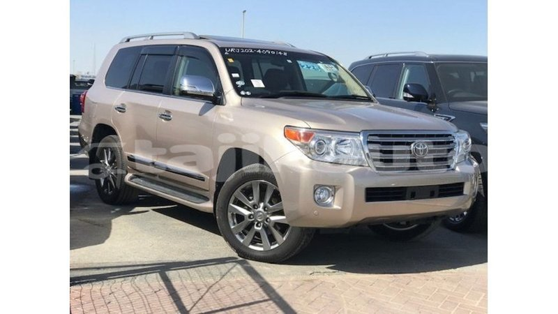 buy reconditioned toyota land cruiser other car in import