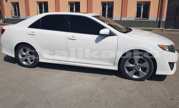 Buy Imported Toyota Camry White Car in Dushanbe in Dushanbe
