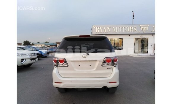 Buy Import Toyota Fortuner White Car in Import - Dubai in Dushanbe