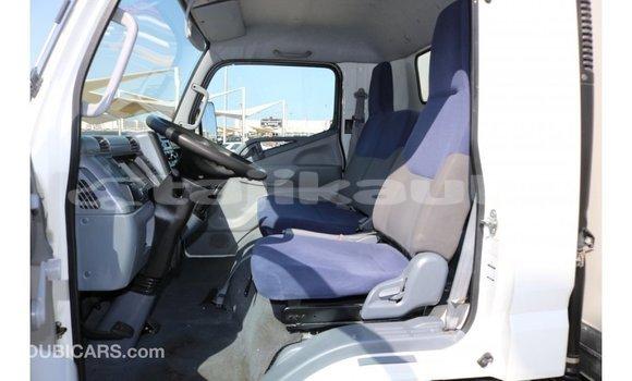 Buy Import Mitsubishi Carisma White Car in Import - Dubai in Dushanbe